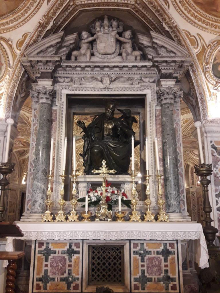 altare cripta del duomo