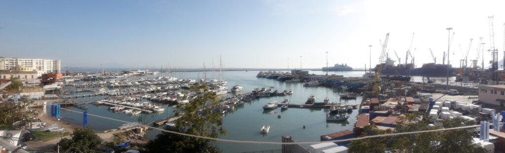 panorama porto di salerno