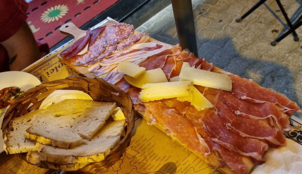 tagliere salumi e formaggi enoteca dolci ricordi salerno
